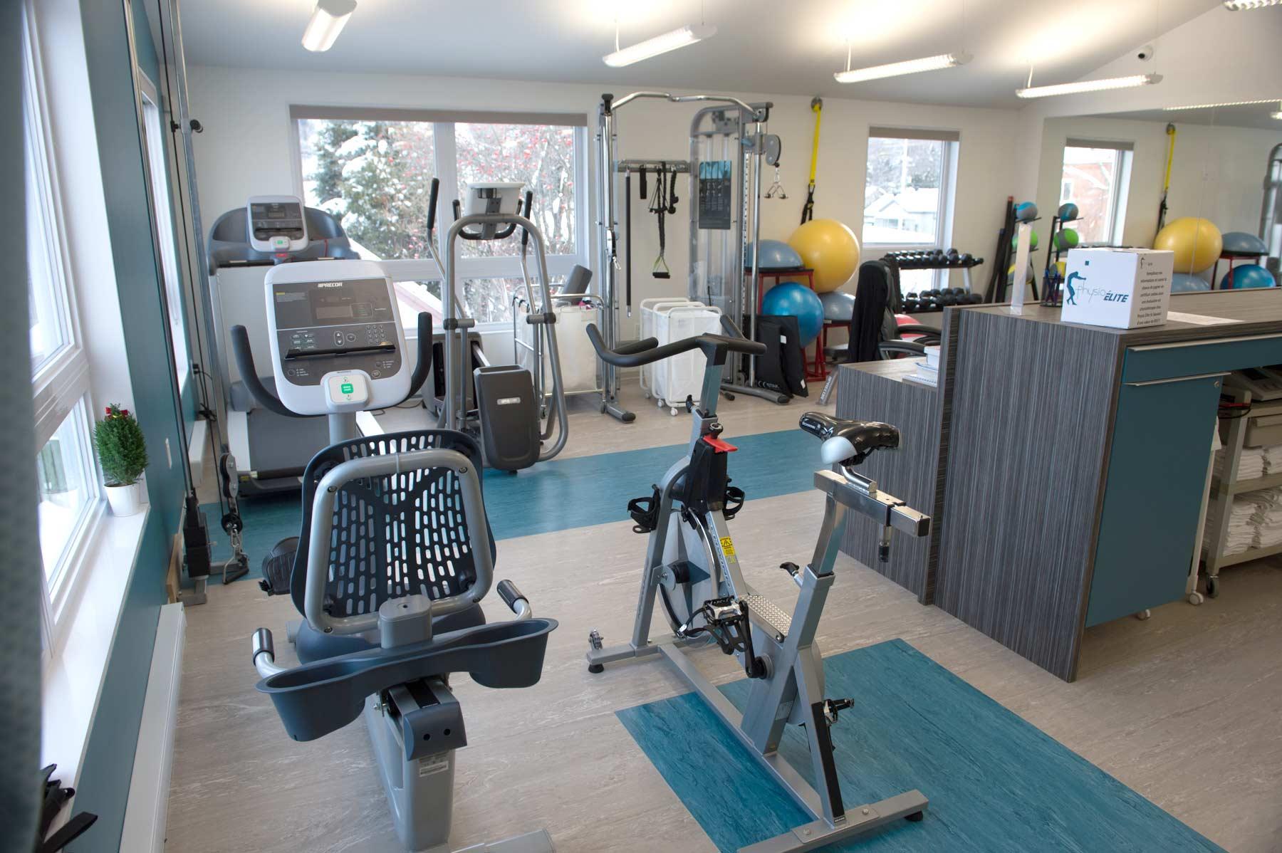 clinique de physiothérapie Physio Élite Laval - salle d'exercice